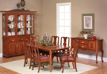 Queen victoria dining room amish furniture designed for Dining room tables victoria